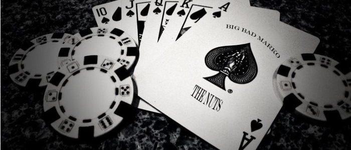 Online gambling - Funny key strike
