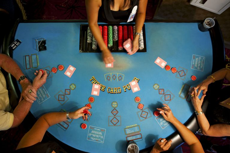 Using Poker Books to Play Poker Perfectly