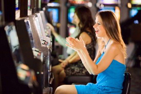 Playing Poker Online Game